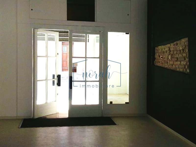 Locale uso negozio-Porto San Giorgio- Codice LP1