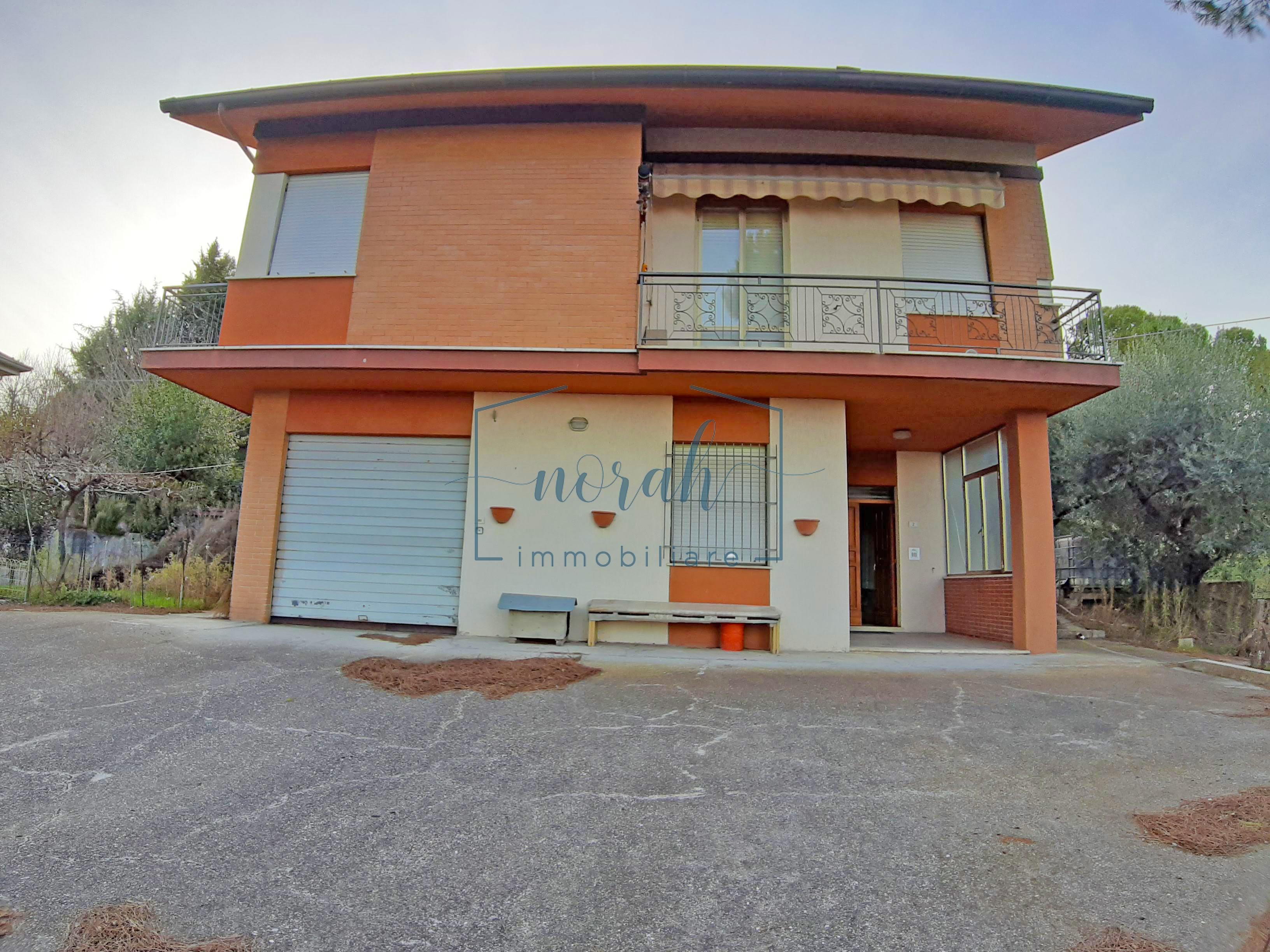 Casa indipendente in Vendita– Magliano Di Tenna – Codice NV9
